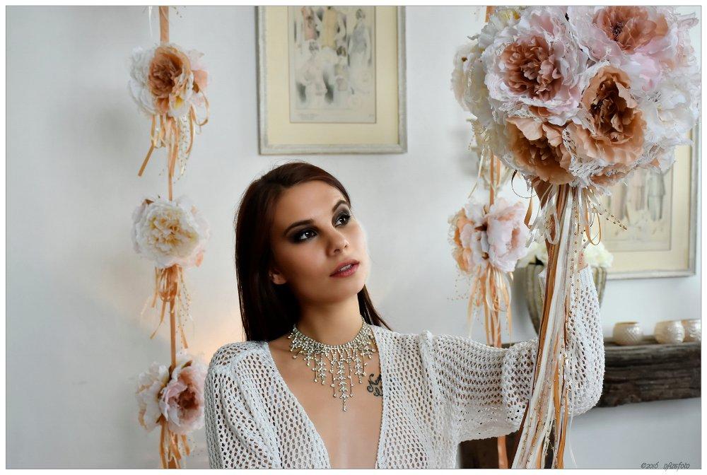 Vayner qızlar Sabina və Xananın intim görüntüləri yayıldı